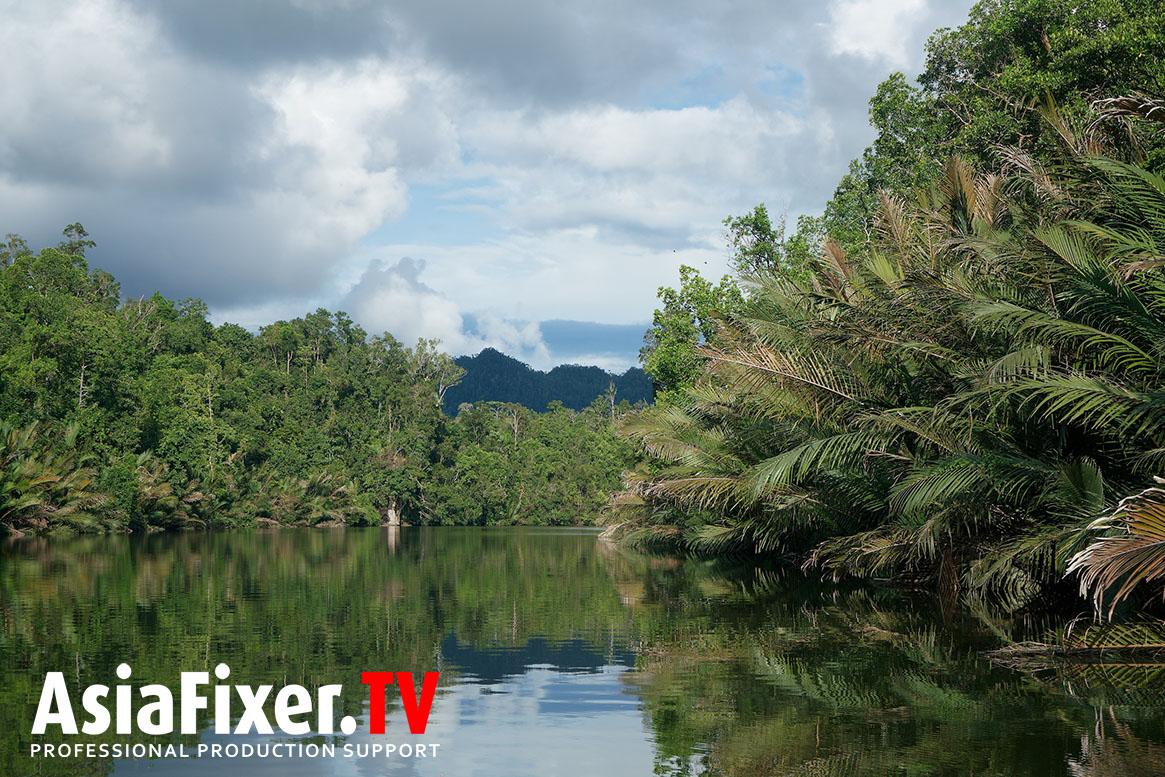 river, papua, filming, survival show,